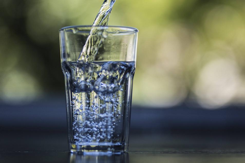 Viel trinken ist die wichtigste Verhaltensregel, um mit der Hitze zurecht zu kommen.