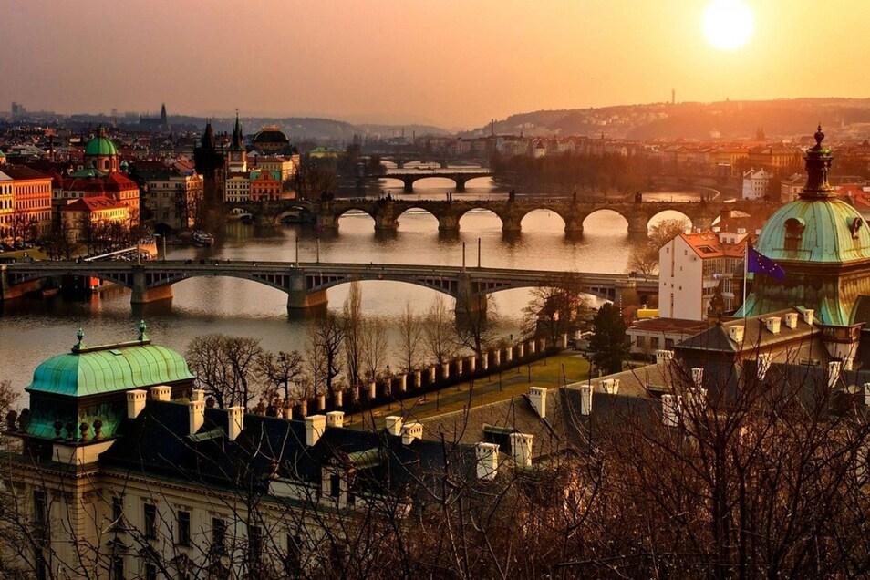 Die Stadt Prag bietet ein schönes Panorama und viele Aktivitäten für den Junggesellenabschied.