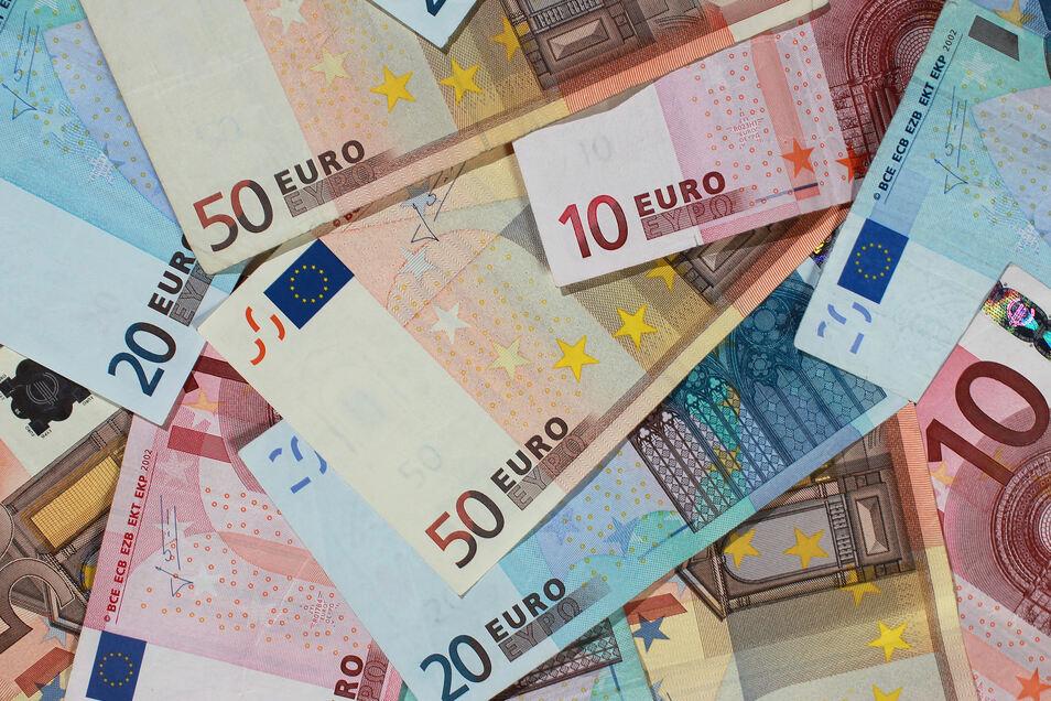 Der Freistaat hatte dem Landkreis Mittelsachsen 200.000 Euro zur Ehrenamtsförderung zur Verfügung gestellt. Vereine müssen bis zum 31. Oktober die bereits zugesagten Fördermittel aus dem Ehrenamtsbudget 2019 abrufen.