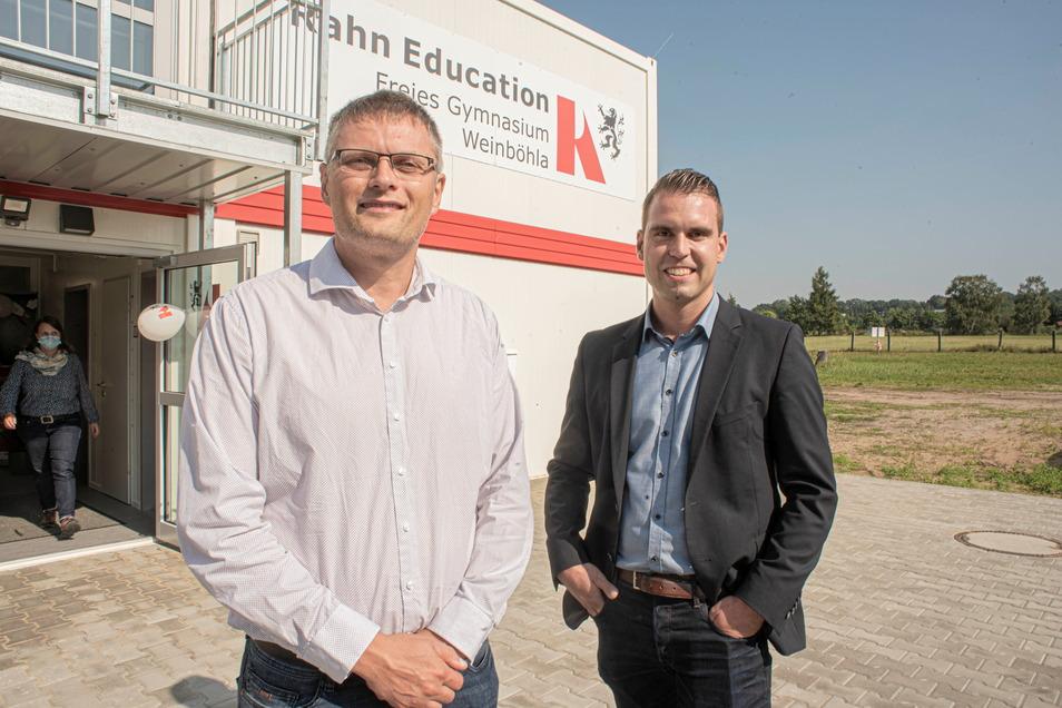 Schulleiter Florian Foltin (r.) und Bürgermeister Siegfried Zenker hoffen, dass 2022 der Bau von Schulhaus und Sporthalle beginnen kann.