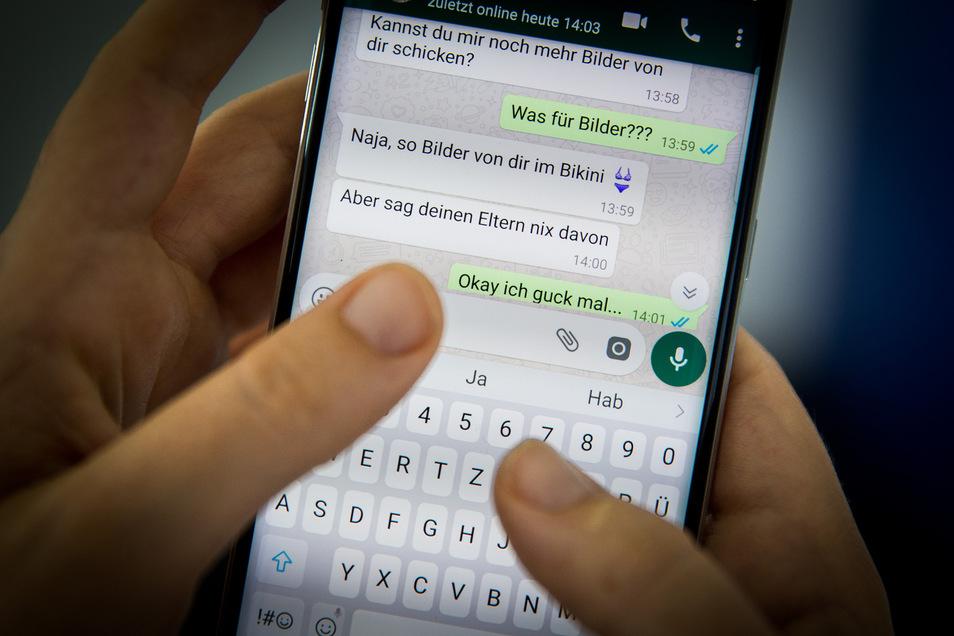 Eine Schwärmerei gerät außer Kontrolle: Über den Nachrichtendienst WhatsApp werden Jugendliche nicht selten von Sexualstraftätern getäuscht.