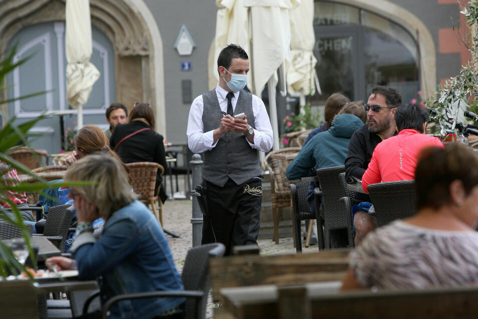 Gastro-Neustart im Mai in Pirna: Mehr Platz für Tische und Stühle im Außenbereich.