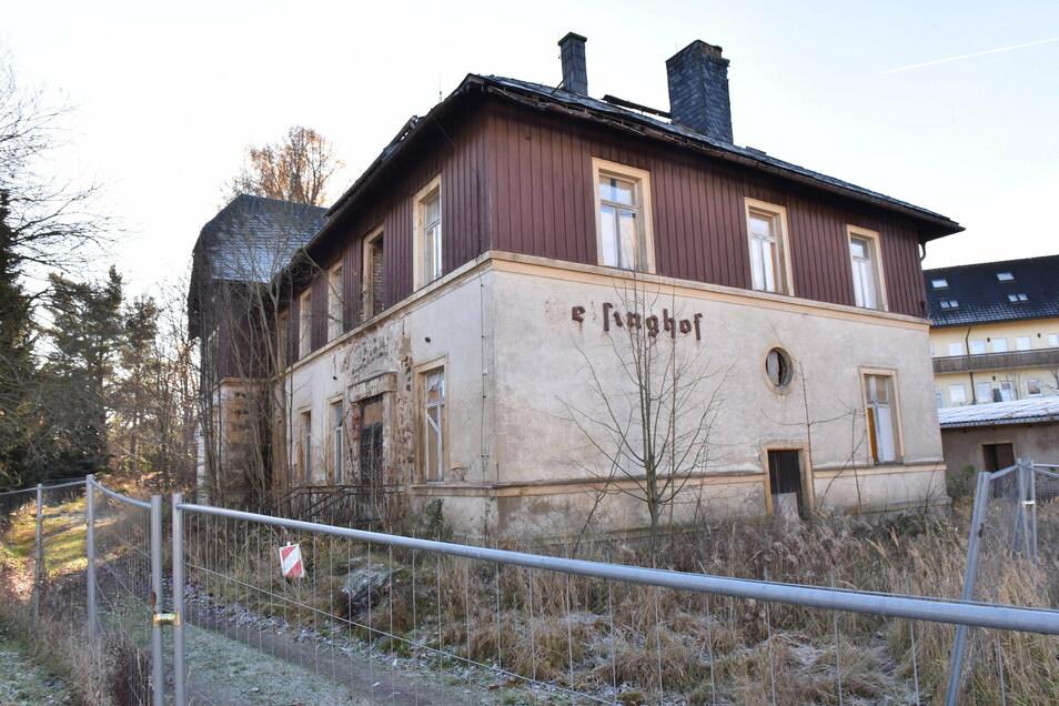 """Die Ruine des Geisinghofs. """"Das Unglück fing eigentlich an, als sie die Familie Miele enteignet haben."""""""