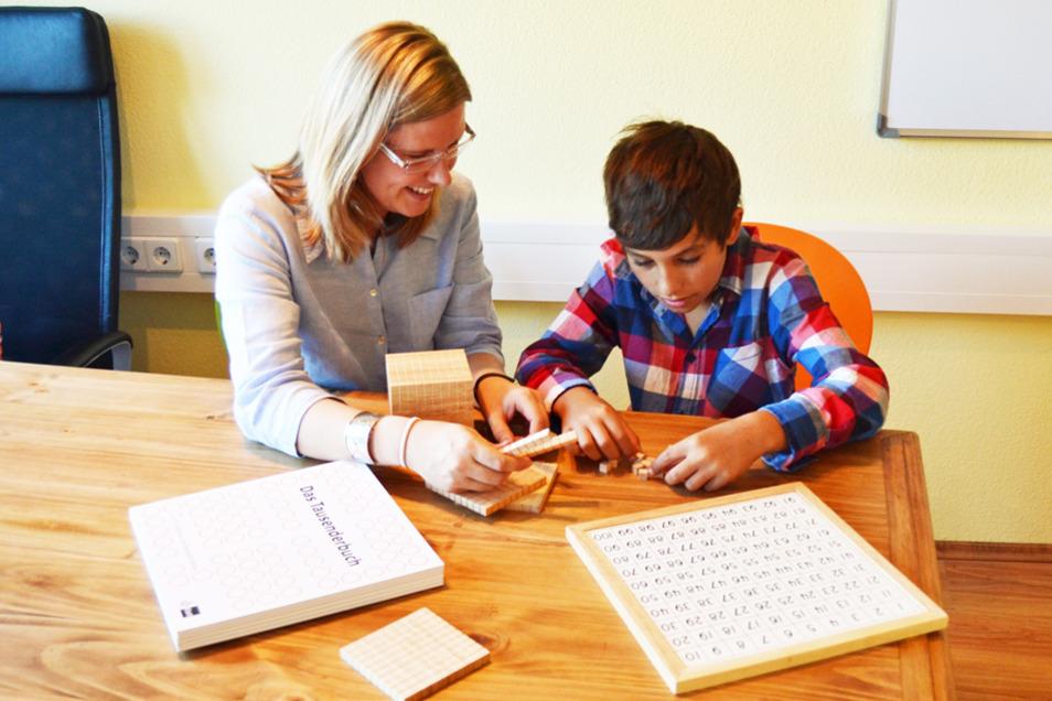Saskia Leinau-Madh vermittelt ihren Nachhilfeschülern unter anderem Techniken, die das Lernen leichter machen.