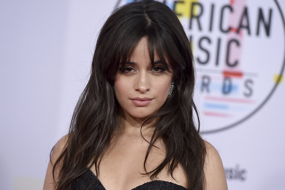 Mutprobe: Camila Cabello stahl Gegenstand aus Kensington-Palast