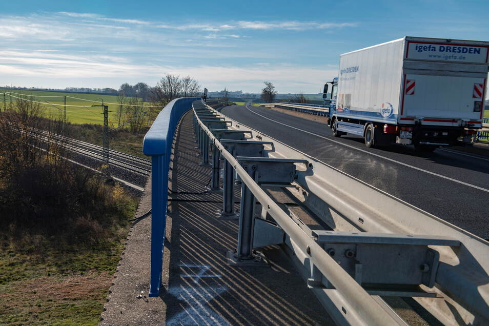 Auch die Brücke an der B 101 am Gewerbegebiet Großenhain-Zschieschen soll erneuert werden.
