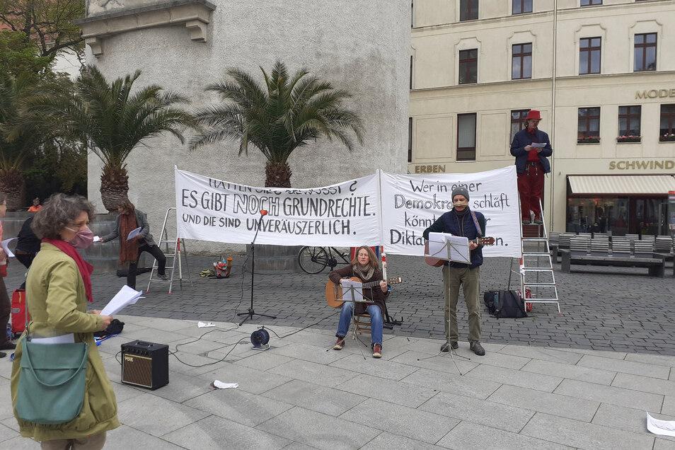Corona-Demo auf dem Marienplatz Mitte Mai.