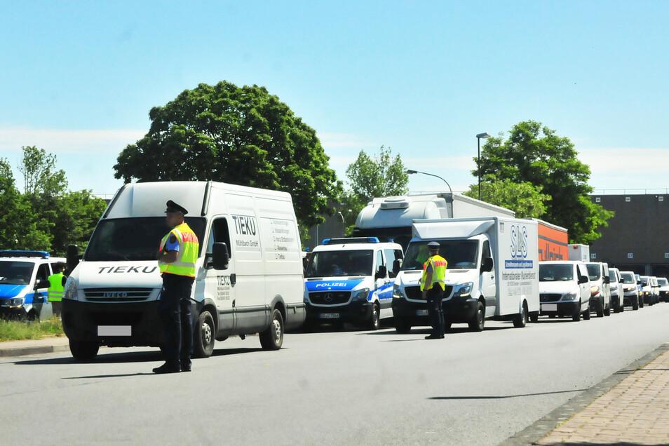 Vor allem Amazon-Auslieferungsfahrzeuge gerieten in die Polizeikontrolle.