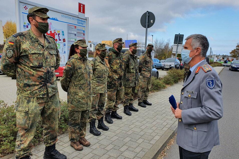Die Bundeswehr unterstützt den Landkreis erneut, jetzt auch wieder in den Krankenhäusern.