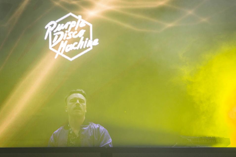 Am Sonntagabend der beste Club der Welt: DJ Purple Disco Machine auf dem Theaterplatz.