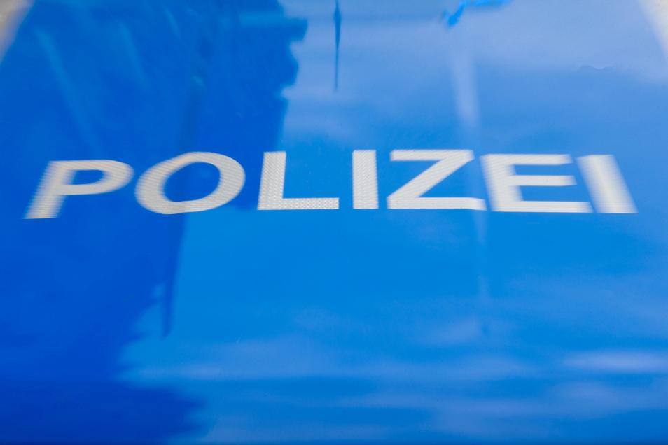Die Dresdner Polizei ermittelt gegen zwei Männer wegen Diebstahls. Auf einen der beiden kommt möglicherweise noch ein weiteres Ermittlungsverfahren zu.