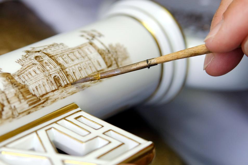 Kunstvolle Handmalerei ist das Markenzeichen der Porzellanmanufaktur Meissen und gleichzeitig ein schützenswertes Kulturgut. Dieses Argument könnte auch bei einem EU-Prüfungsverfahren für staatliche Zuschüsse zählen.