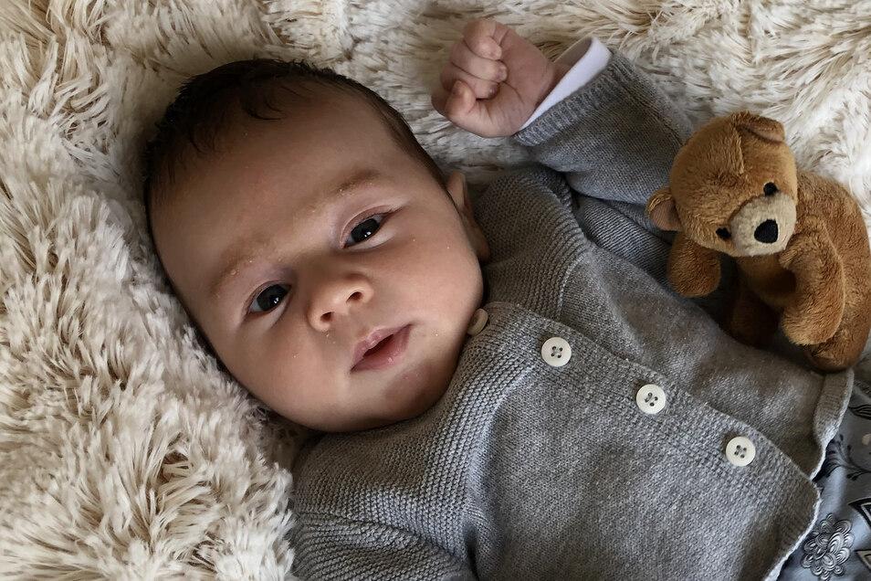 Max Johannes, geboren am 11. April, Geburtsort: Dresden, Gewicht: 4.210 Gramm, Größe: 53 Zentimeter, Eltern: Michaela und Stefan Weier, Wohnort: Dresden (Biehla/Piskowitz)