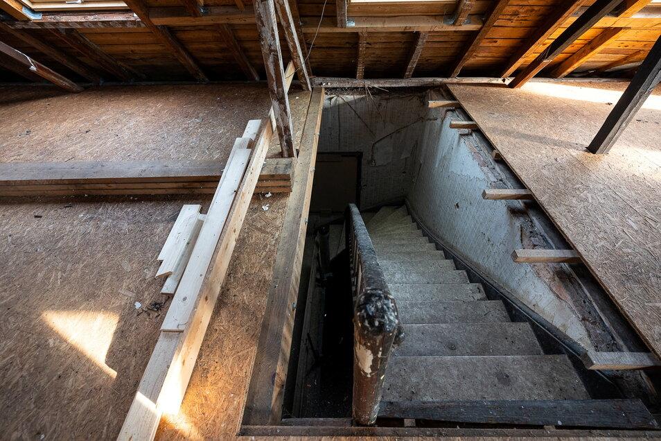 So sieht es aus, wenn man auf den Dachboden gelangt.