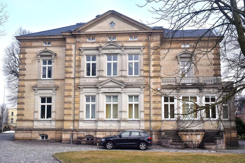 Nach Corona-Pause wieder für Bürger offen: die Stadtverwaltung in Ebersbach-Neugersdorf.