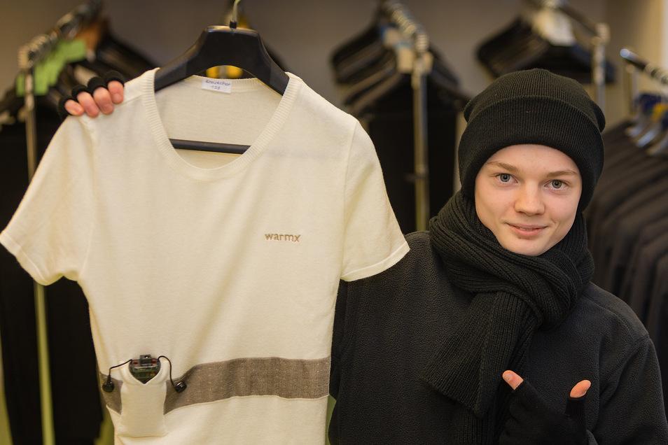 Tenor Lukas Neumann ist gespannt: Mit wärmender Unterwäsche soll der Kreuzchor beim Stadionkonzert der Kälte trotzen.