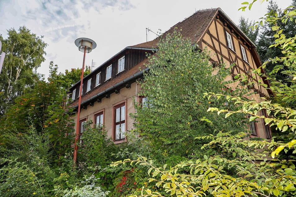 Der alte Speisesaal der ehemaligen Gießerei in Beiersdorf ist versteigert worden. Nun steht das Gebäude an der Auestraße schon wieder zum Verkauf.