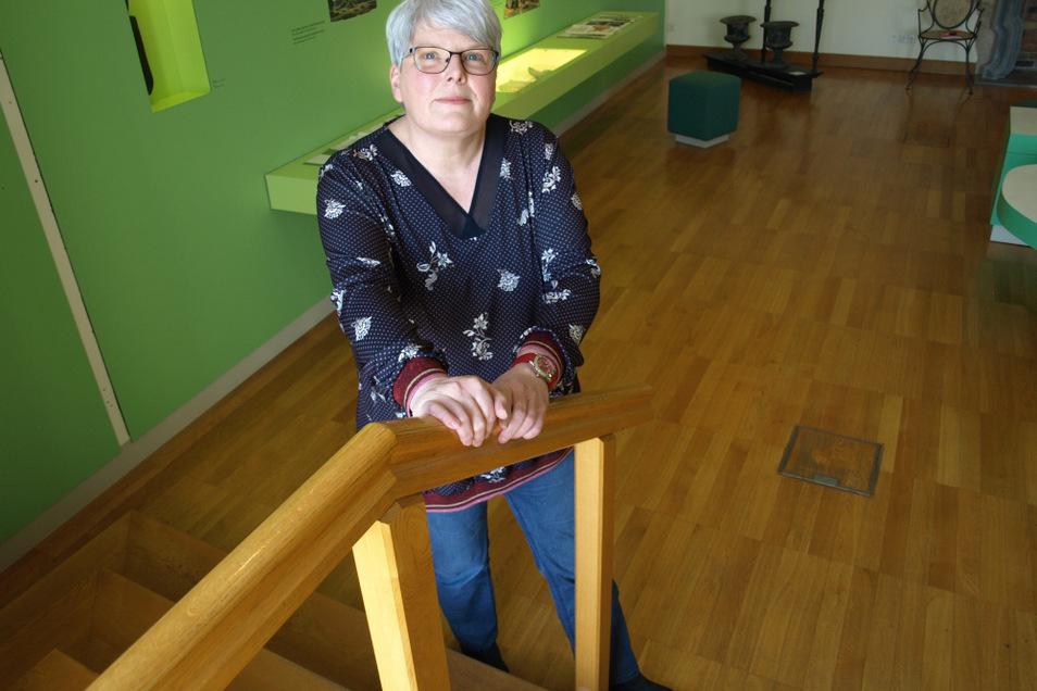 Frauke Mankartz ist bei der Pückler-Stiftung verantwortlich für Ausstellungen und Sammlungen wie in Schloss , Gärtnerei und bald der Pückler-Villa.