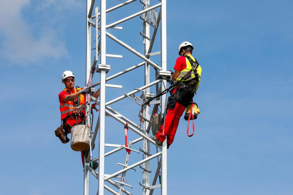 Symbolfoto: Vodafone-Techniker arbeiten derzeit daran, eine Störung im Oberland zu beheben.
