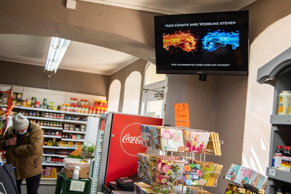 Tolle Geste: Der Betreiber des Großenhainer Kultladens Kirst und Co., Marko Hoffmann, bietet Händlern und Gastronomen an, kostenlos Werbung in seinem TV auszustrahlen.