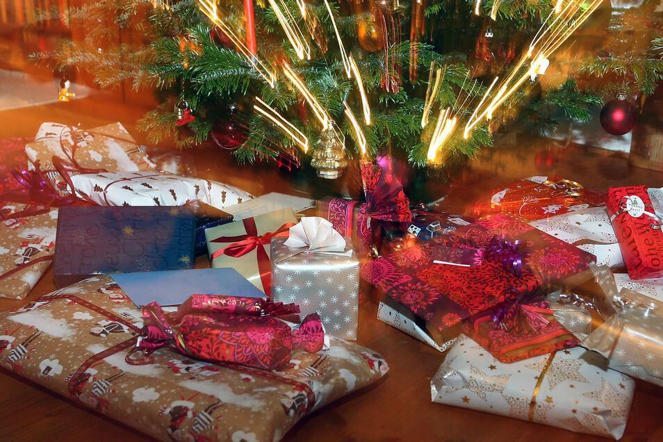 Nur gut die Hälfte der Arbeitnehmer in Deutschland erhält einer Studie zufolge ein Weihnachtsgeld.
