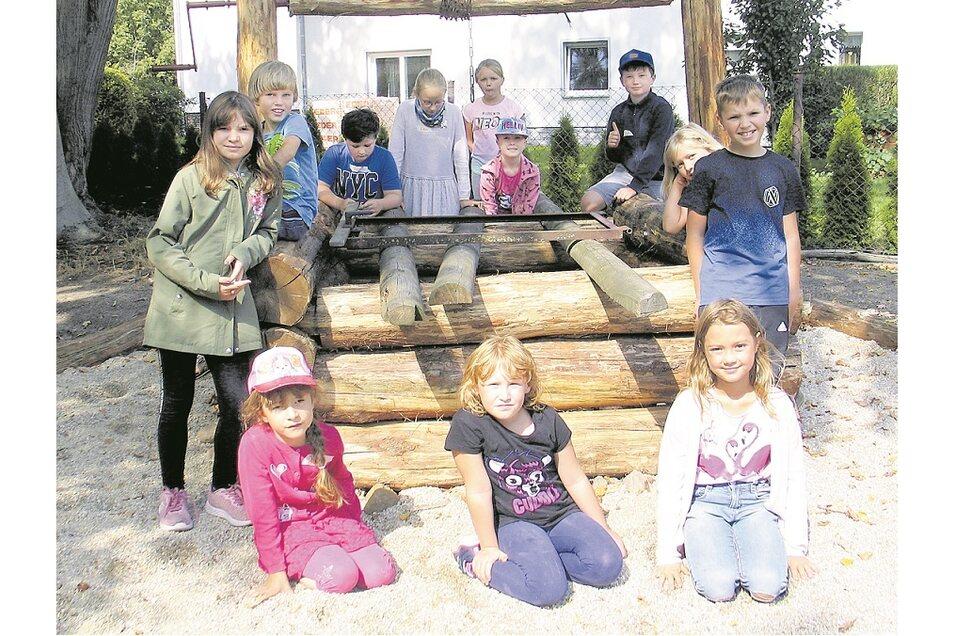 Der im vorigen Jahr entdeckte historische Brunnen im Pfarrgarten Schleife steht noch bis Donnerstag im Mittelpunkt der diesjährigen Kinderbibeltage.