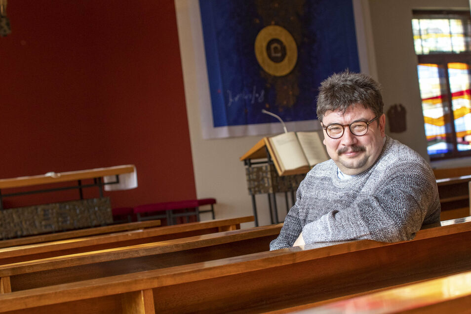 Pfarrer Markus Scholz von der katholischen Kirchgemeinde St. Barbara in Riesa glaubt, die Corona-Krise werde uns letztlich vor die Entscheidung stellen, wie die künftige Gesellschaft aussehen soll.