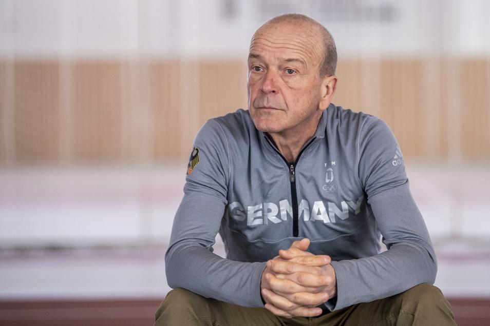 Der Blick täuscht. Der Riesaer Gerd Leopold geht optimistisch in seine nächste Saison als stellvertretender Bob-Bundestrainer.
