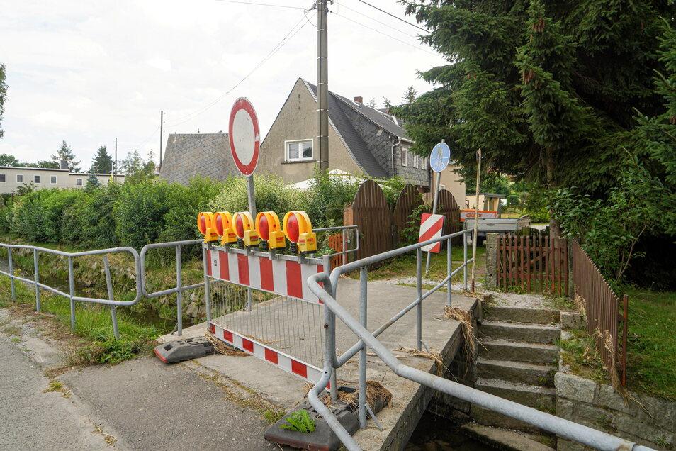 Die Fußgängerbrücke Am Schossigstift in Neukirch ist gesperrt.
