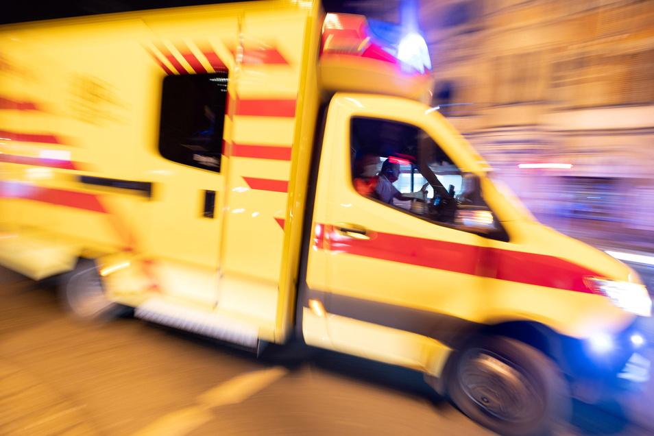 In Leipzig sind bei einem Unfall drei Menschen verletzt worden.