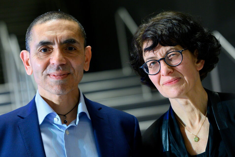Die Biontech-Gründer Ugur Sahin (l.) und Özlem Türeci kommen bei der Forschung an einem Corona-Impfstoff für Kinder voran.