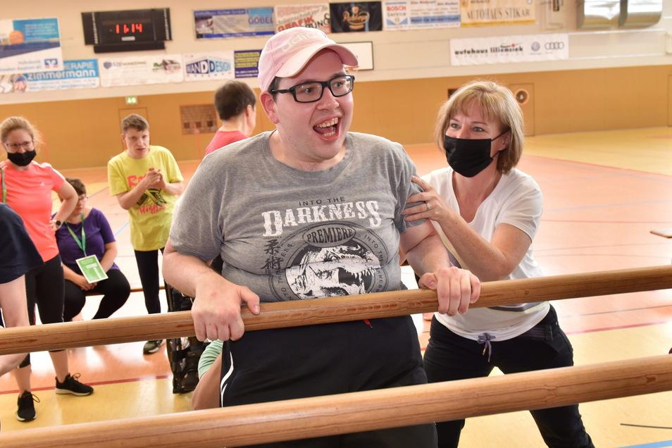 Beim Behindertensportfest im Dippser Sportpark hatten Teilnehmer und Helfer ihren Spaß.