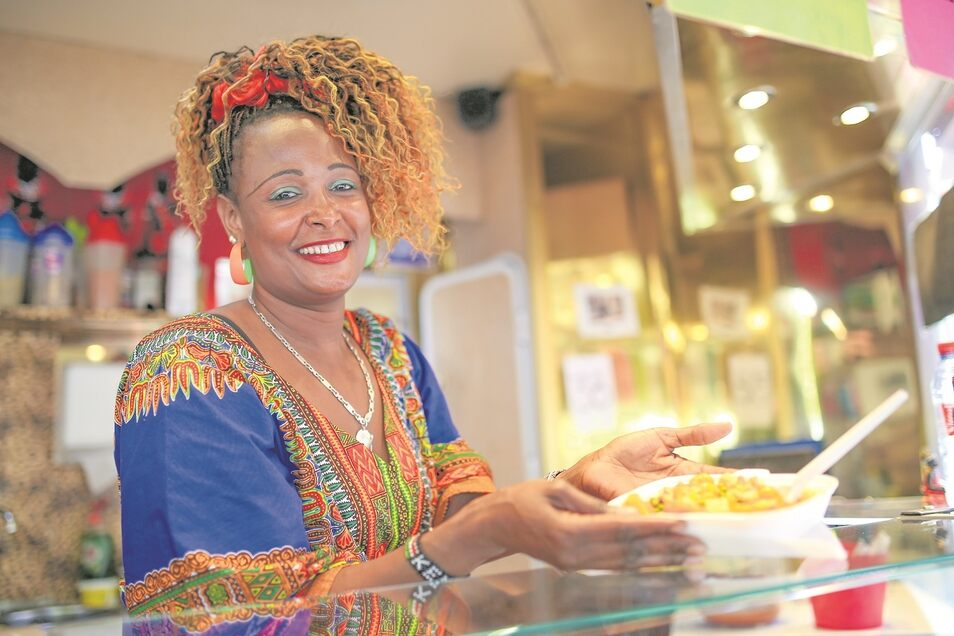 Afrikanische Küche so charmant präsentiert – wer kann da schon widerstehen. Beim Streetfoof-Festival in Weißwasser kann man probieren, wie Afrika schmeckt.