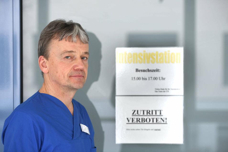 Dr. Frank Ettrich, 53, ist Facharzt für Anästhesie und Intensivmedizin und seit 13 Jahren Chefarzt der Klinik für Anästhesie und Intensivmedizin am Krankenhaus in Ebersbach.