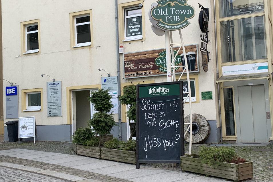 """Auch der Döbelner Old Town Pub musste schließen. Er schreibt: """"Schöner wäre es mit euch. Miss you!"""""""