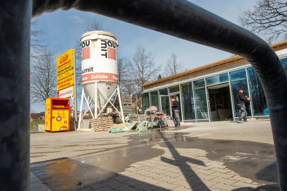 Bis 16. Mai bleibt der Netto-Markt in Moritzburg geschlossen. Eine - wenn auch eingeschränkte - Alternative bietet ein Verkaufsmobil aus der Region.