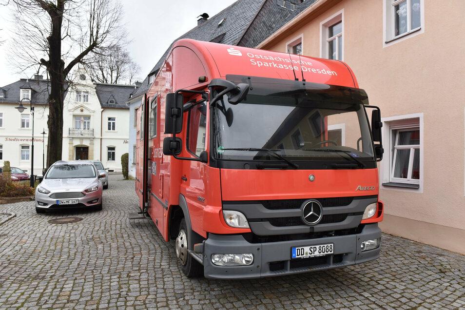 Das Sparkassenmobil, das bereits in Bärenstein hält, soll in Zukunft auch Lauenstein anfahren.
