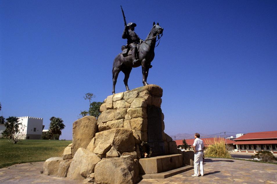 Das Reiterdenkmal wurde am 27. Januar 1912 in Windhuk eingeweiht und soll an die Kolonialkriege  erinnern.