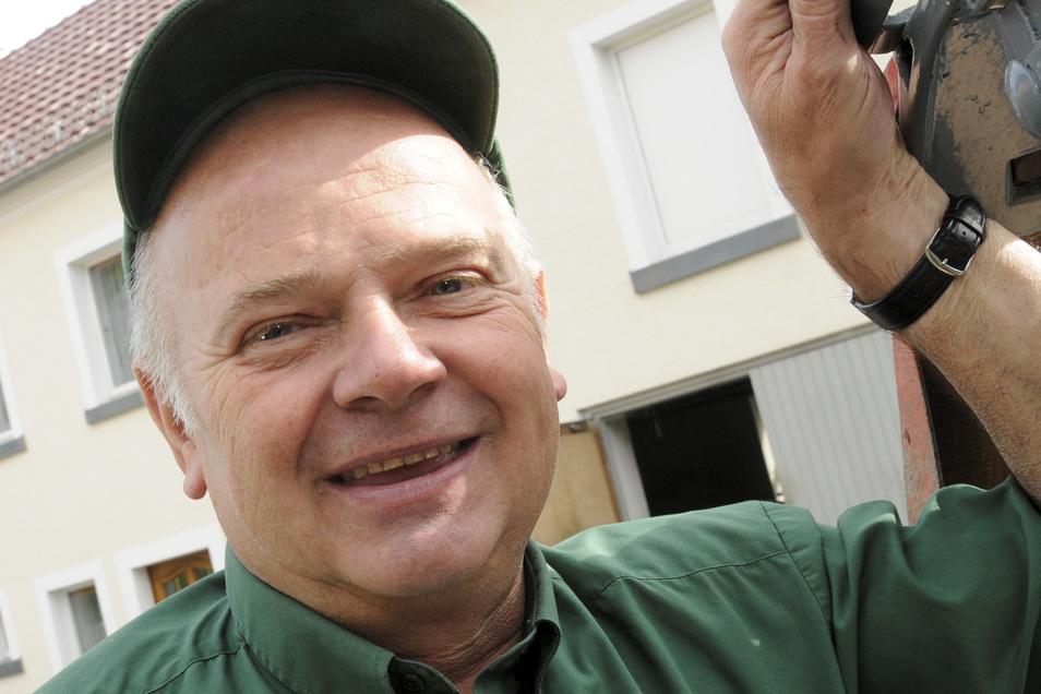Die Amtszeit des dienstältesten Bürgermeisters im Großenhainer Raum neigt sich dem Ende. Seit der Wende hat Wolfgang Hoffmann die Geschicke der Gemeinde Lampertswalde geleitet. Am 1. September soll ein Nachfolger gewählt werden.