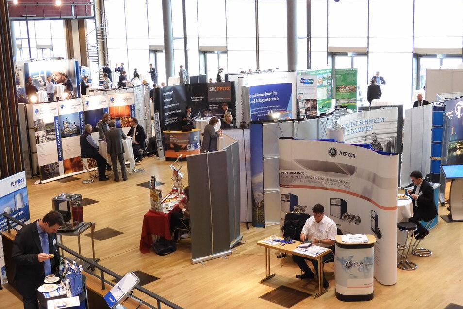 Kleine Firmenmesse im Dresdner Kongresszentrum: Zum Kraftwerkstechnischen Kolloquium treffen sich Anhänger alter und neuer Energiequellen.