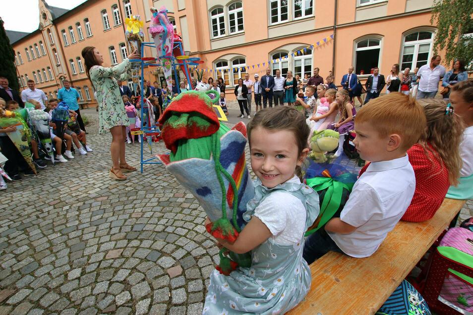 Schulanfang Grundschule Waldheim.