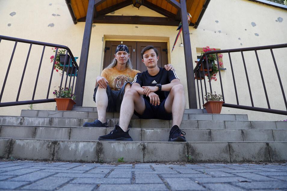 Rainer Herbst (links) nimmt seit mehreren Jahren Gastschüler aus Russland auf. Derzeit ist Vitalik Bastrakov zu Besuch.