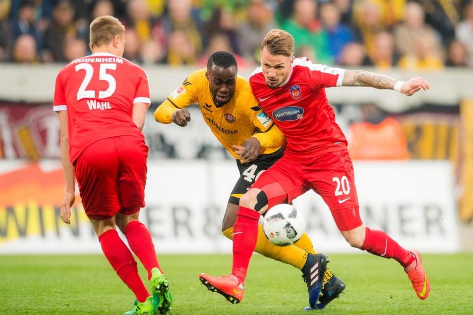 Auswärts konnte Dynamo gegen Heidenheim erst einmal gewinnen. Das war 2017 - und Erich Berko (Mitte) dabei.