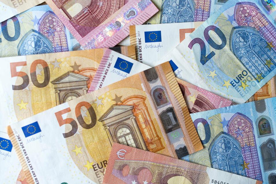 Mehrere Kreisräte forderten bei der Haushaltsdebatte mehr Geld für die Digitalisierung des Landkreises Mittelsachsen.