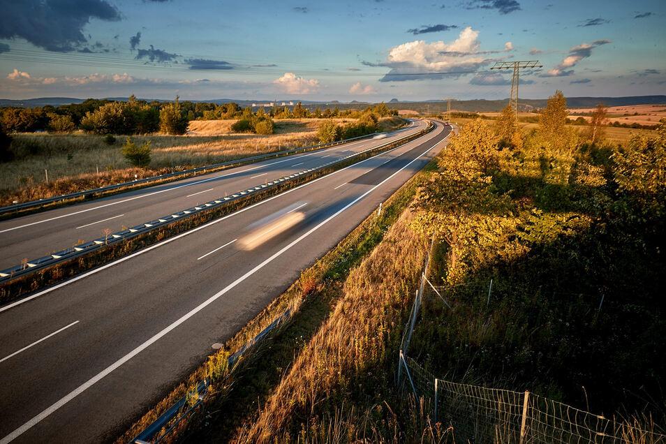 Geplante IPO-Fläche am Pirnaer Autobahnzubringer. Freie Wähler, AfD und Grüne sind in Dohna dagegen.