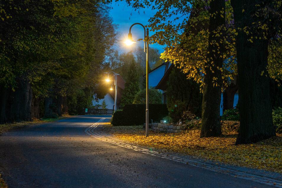 Immer mehr Straßenlampen werden in Zittau wieder angeschaltet.