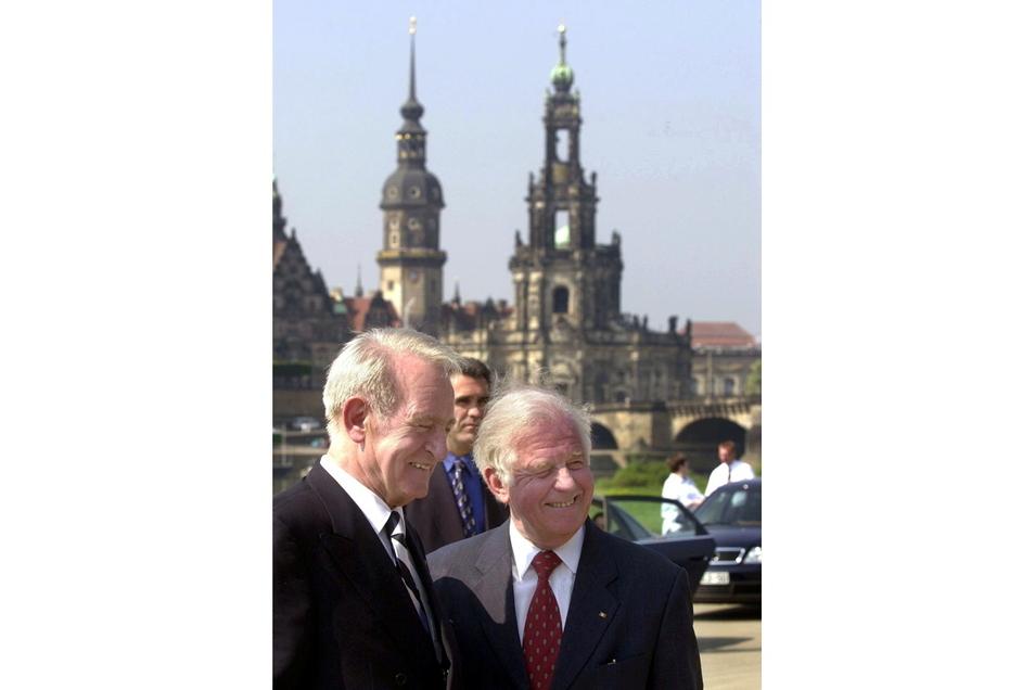 2000 mit dem damaligen Bundespräsidenten Johannes Rau.