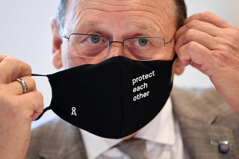 Maske ab. Thüringens Ministerpräsident Bodo Ramelow hat sich vom Grundkonsens bei der Bekämpfung der Pandemie verabschiedet.