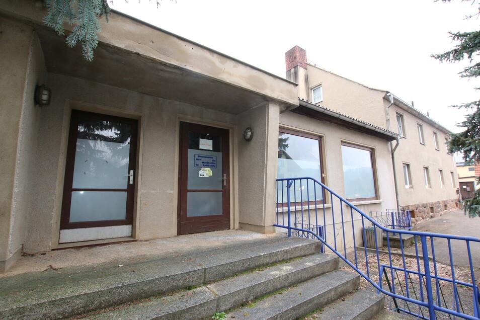 Mit Beharrlichkeit hat Roßwein Immobilien angeboten, die die Kommune selbst nicht nutzt. Derzeit steht ein Wohn- und Geschäftshaus in Niederstriegis auf der Angebotsliste.