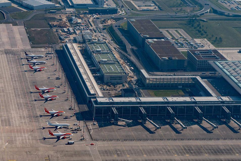 Blick auf den künftigen Hauptstadtflughafen BER